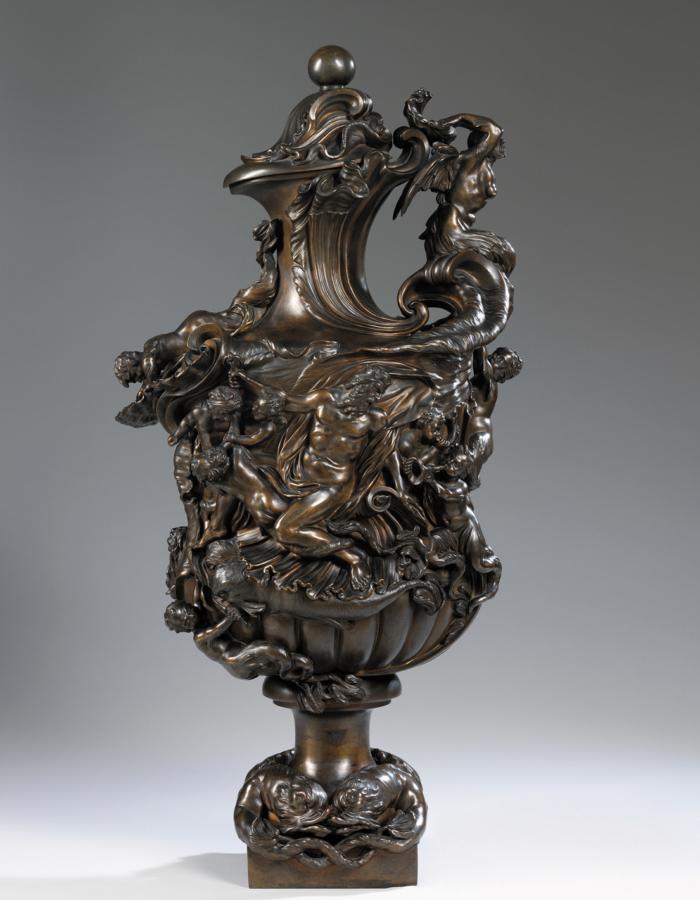 Fig. 23 a; Fig. 23 b Massimiliano Soldani Benzi Vaso a urna raffiguranteil Trionfo di Galatea e il Trionfo diNettuno 1721 bronzo patinato Victoria & Albert Museum, Londra
